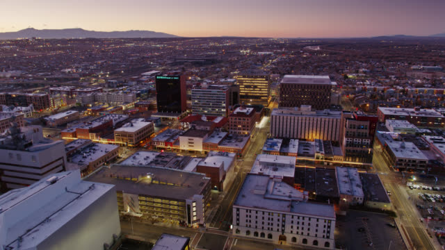 birds eye view of downtown albuquerque at sunrise - new mexico bildbanksvideor och videomaterial från bakom kulisserna