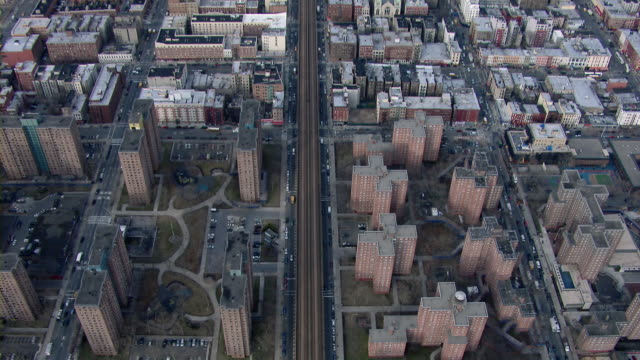 birds eye view of public housing in east harlem; the robert a taft houses and the james weldon johnson houses. - 住宅開発点の映像素材/bロール