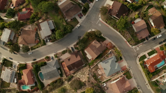birds eye view of southern california suburban sprawl - drone shot - tract housing stock videos & royalty-free footage