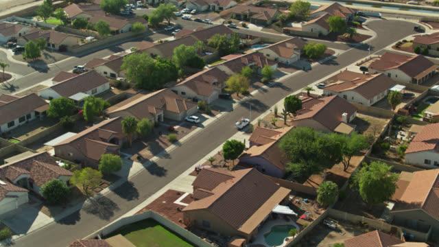 birds eye view of suburban homes near phoenix, az - phoenix arizona stock-videos und b-roll-filmmaterial