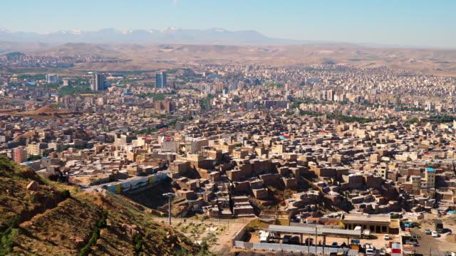 birds eye view of tabriz, iran - 東点の映像素材/bロール