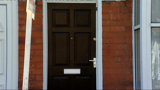 handsworth ext general views terraced house reporter to camera - handsworth stock videos & royalty-free footage