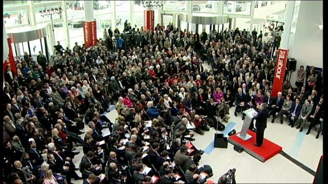 vídeos de stock e filmes b-roll de birmingham gordon brown shaking hands with audience members at labour manifesto launch gordon brown and sarah brown shaking hands with audience... - tom bradby