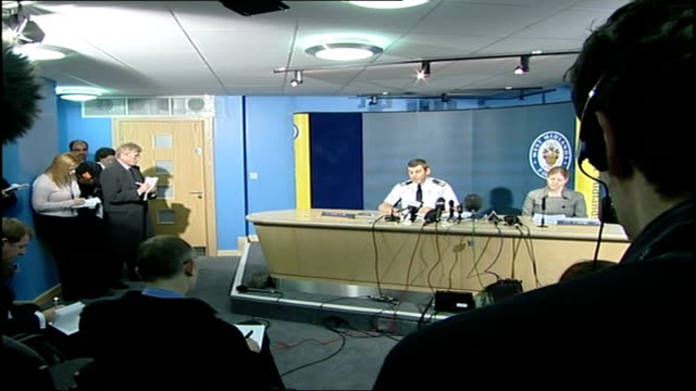 man charged with planning to kidnap and kill british soldier:; coventry: int west midlands police press conference in session assistant chief... - コベントリー点の映像素材/bロール
