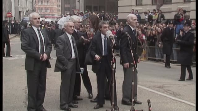 High Court quashes decision not to allow naming of alleged perpetrators March 1991 London Old Bailey 'Birmingham Six' release Paddy Hill addressing...