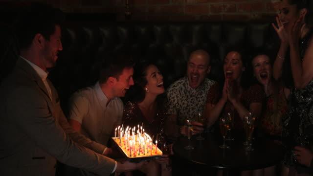 vidéos et rushes de fêtes d'anniversaire - réjouissances