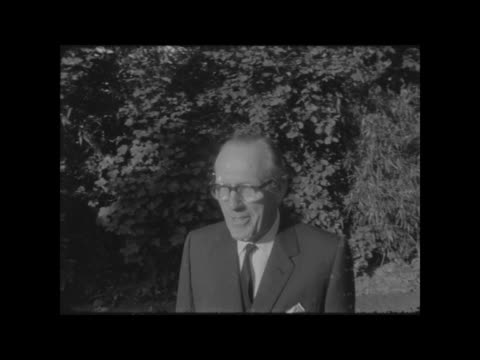 birthday honours list 1966 a mr victor peers walks to cs in garden neg 16mm itn - itv evening bulletin stock videos & royalty-free footage