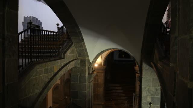 vídeos de stock e filmes b-roll de birthplace of ignatius of loyola / museum - ausência