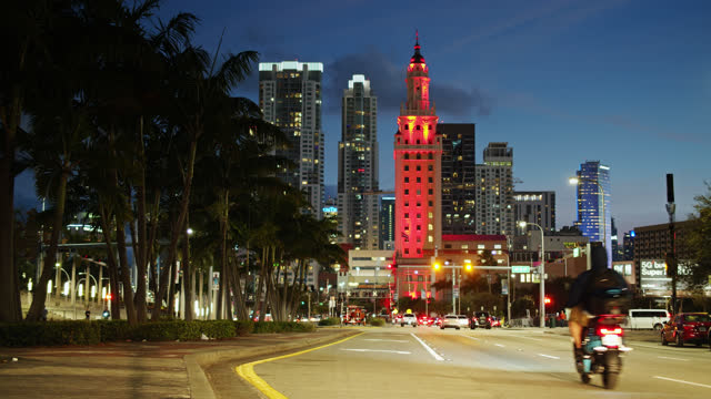 biscayne boulevard at twilight - miami dade county stock videos & royalty-free footage