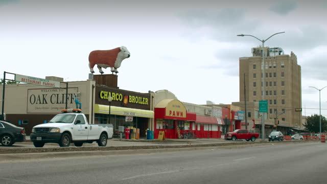 bishop arts district - street name sign stock videos & royalty-free footage