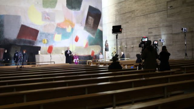 bishop christian staeblein during his sermon berlin bishops heiner koch and christian staeblein attend an ecumenical sunday church service with the... - 宗教施設点の映像素材/bロール