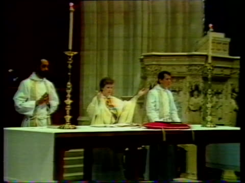 bishop of london defies archbishop of canterbury over reverend john pasco location unknown women priests at service - bishop of london stock videos & royalty-free footage