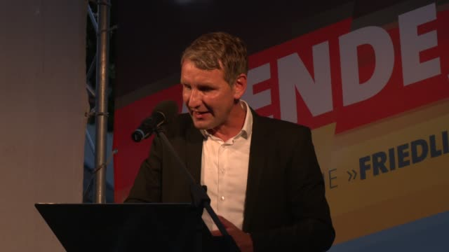 bjoern hoecke head of the alternative fuer deutschland political party in thuringia speaks to supporters at the final afd campaign trail stop before... - deutschland stock videos & royalty-free footage