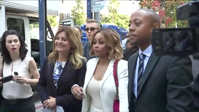 ktla blac chyna was granted a temporary restraining order barring rob kardashian from coming near her or posting about her online the reality star... - trattenere video stock e b–roll