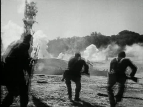 black and white 1972 wide shot reenactment union soldiers planting tattered us flag and shooting on battlefield / audio - inarcare la schiena video stock e b–roll