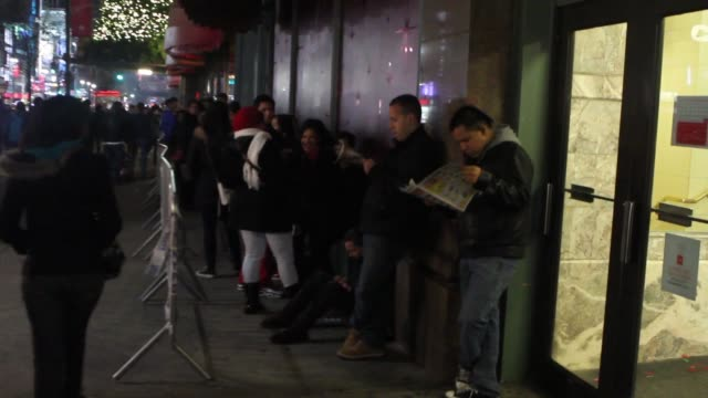 black friday shoppers rush into macy's at midnight on 6th avenue in manhattan. black friday shoppers on november 23, 2012 in new york, new york - black friday stock videos & royalty-free footage