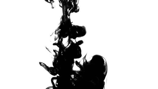 vídeos y material grabado en eventos de stock de tinta negro caer agua - fractal