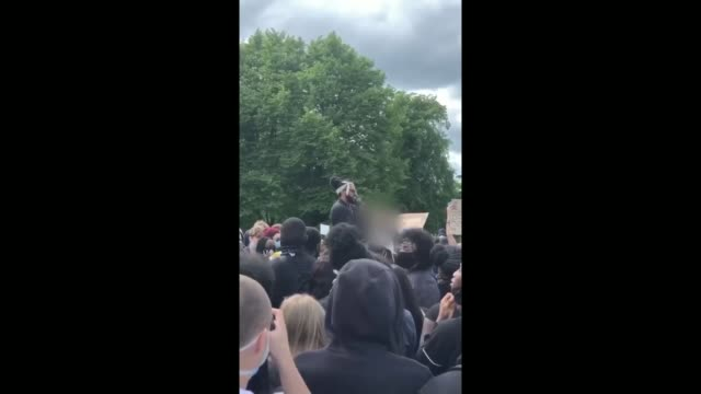 cities forced to confront racist and colonial past via barrington reeves scotland glasgow ext various of people attending a black live matter protest - war and conflict stock-videos und b-roll-filmmaterial