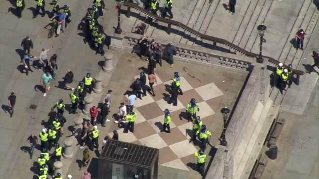 boris johnson condemns violence against police as 'racist thuggery' england london westminster trafalgar square shots of counter protesters clashing... - war and conflict stock-videos und b-roll-filmmaterial