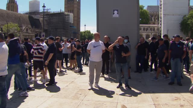 parliament square and whitehall protests england london westminster whitehall ext protesters arriving to barricade and chanting / protesters clashing... - statue stock videos & royalty-free footage