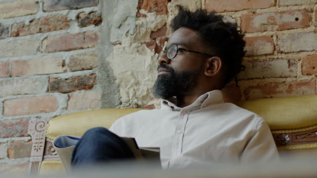 vidéos et rushes de black male - contemplation