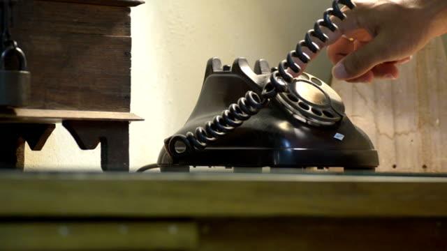 vídeos de stock, filmes e b-roll de preto de telefone - telefone fixo
