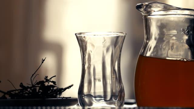 vidéos et rushes de thé noir - thé noir