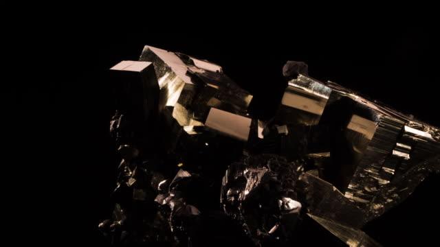vidéos et rushes de black tourmaline - pierre précieuse