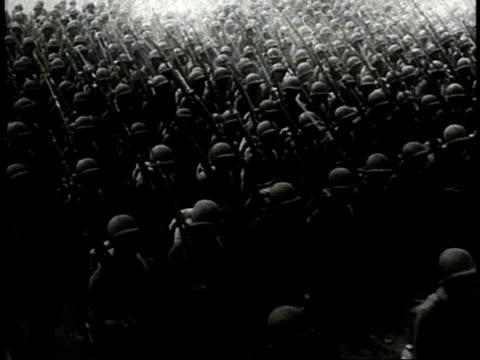 vidéos et rushes de black us army soldiers marching in formation / ha soldiers marching / zi soldiers marching / ws soldiers marching / usa - plan grue