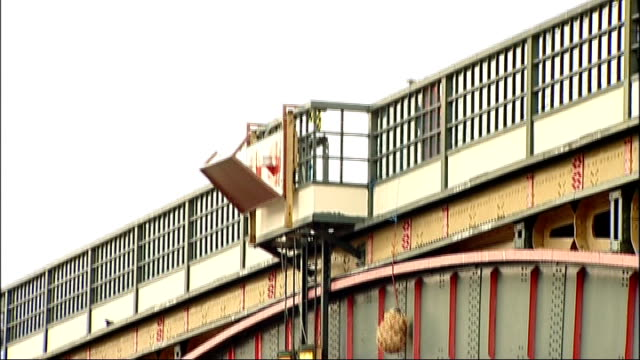 straw dangled from bridge to warn boats england london blackfriars bridge ext ian luder and two unidentified men posing with bundle of straw bundle... - lord mayor of london city of london stock videos & royalty-free footage