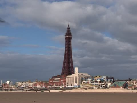 Blackpool Tower & Seafront 4