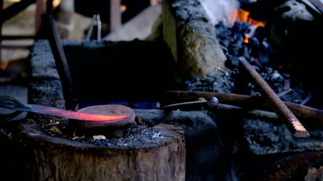 blacksmith forging hot iron - hammer stock videos & royalty-free footage