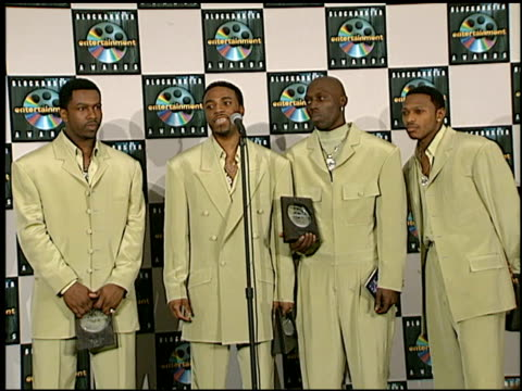 vídeos de stock e filmes b-roll de blackstreet at the blockbuster awards at hollywood pantages theater in hollywood, california on march 11, 1997. - pantages theater