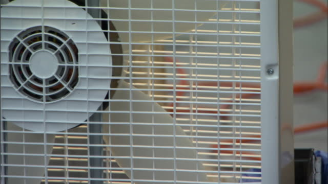 cu blades of electric fan spinning / manhattan, new york, usa - ventilator stock-videos und b-roll-filmmaterial