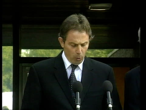 Blair flies to Belfast ITN NORTHERN IRELAND Belfast Stormont EXT Tony Blair statement SOT While there is acknowledged disagreement about timing and...
