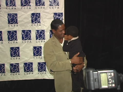 vidéos et rushes de blair underwood and son at the 6th annual lullabies luxuries luncheon fashion show to benefit caring for children families with aids at regent... - blair underwood