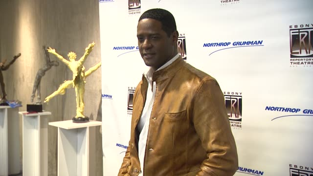vidéos et rushes de blair underwood at the actress phylicia rashad makes directing debut in 'a raisin in the sun' at los angeles ca - blair underwood