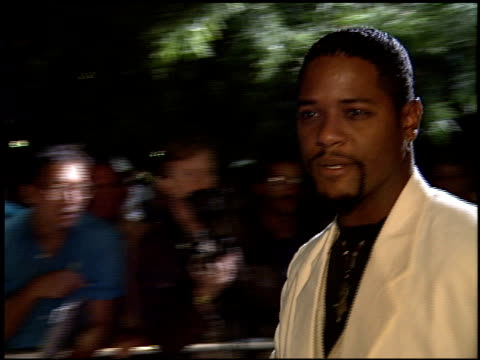 vidéos et rushes de blair underwood at the 'first knight' premiere at academy theater in beverly hills california on june 19 1995 - blair underwood