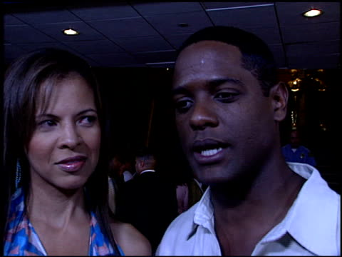 vidéos et rushes de blair underwood at the premiere of 'the manchurian candidate' at academy theater in los angeles california on july 22 2004 - blair underwood
