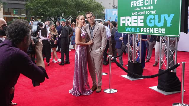 """stockvideo's en b-roll-footage met blake lively and ryan reynolds attend the """"free guy"""" new york premiere at amc lincoln square theater in the upper west side on august 03 in new york... - première"""