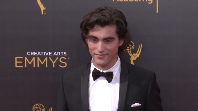 vídeos de stock e filmes b-roll de blake michael at the 2016 creative arts emmy awards - day 1 - arrivals at microsoft theater on september 10, 2016 in los angeles, california. - microsoft theater los angeles