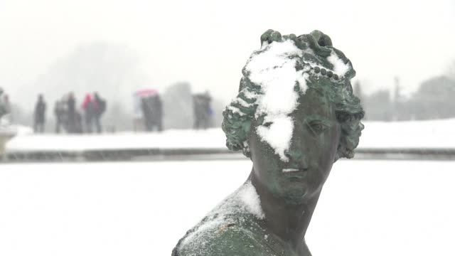 A blanket of snow covers the gardens of the Chateau de Versailles with the arrival of the first snowflakes in the Paris region this morning the...