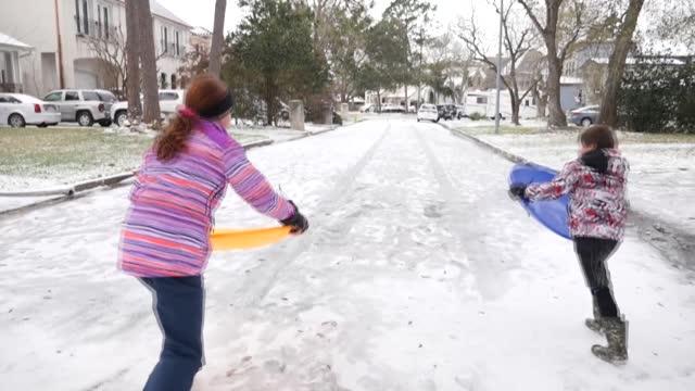 TX: Arctic blast brings snow to Texas