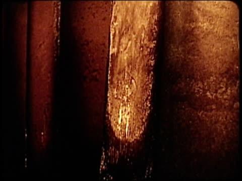 vidéos et rushes de 1963 montage blast furnace, molten steel, rolling metal production in foundry / japan  - lancer la ligne de canne à pêche