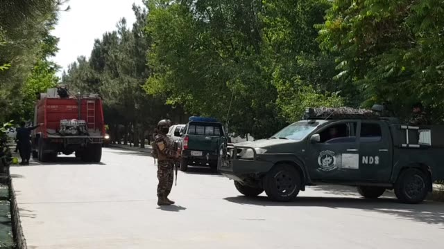 vídeos y material grabado en eventos de stock de blast inside a mosque during friday prayer killed at least four people in the afghan capital kabul, an official confirmed. interior ministry... - afganistán