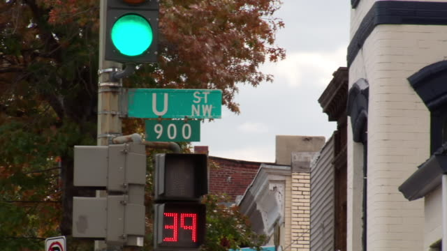 ms 900 block of u street sign attached to traffic light post and pedestrian light counting down / washington, district of columbia, united states - walk don't walk signal stock videos and b-roll footage