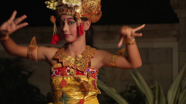 block shot dancer bali indonesia  - 雑貨点の映像素材/bロール
