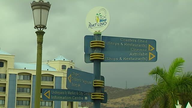 vídeos de stock, filmes e b-roll de block shot sign board port louis mauritius - ilhas mascarene