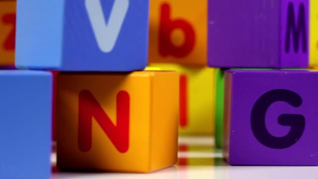 stockvideo's en b-roll-footage met abc blocks - blok vorm