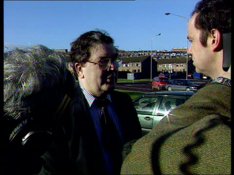 bloody sunday 25th anniversary derry/ londonderry john hume mp speaking to press irvine i/c - 25th anniversary stock videos and b-roll footage